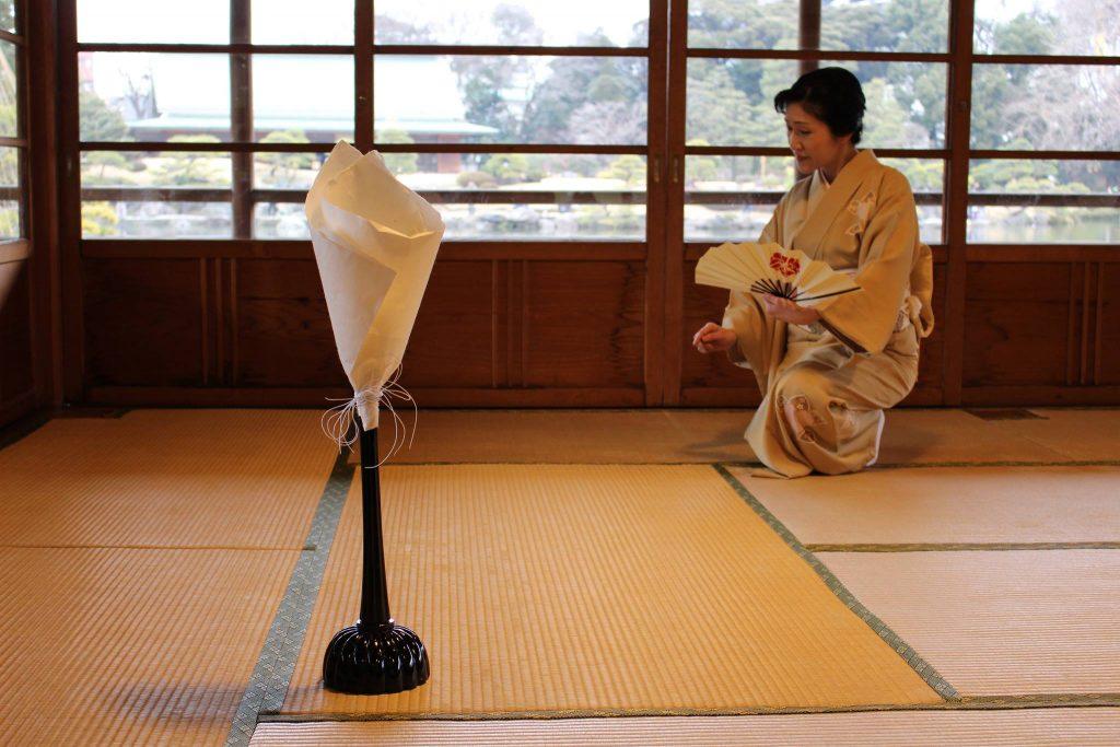 シリーズ:和装の人たち 舞踊家「桐崎鶴女」2