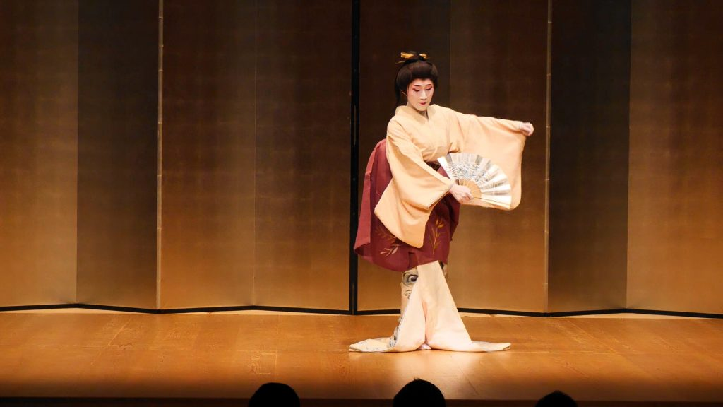 シリーズ:和装の人たち 舞踊家「桐崎鶴女」7