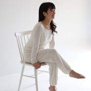 トピック 絹に関わる人 シルクデザイナー「加藤なぎさ」2