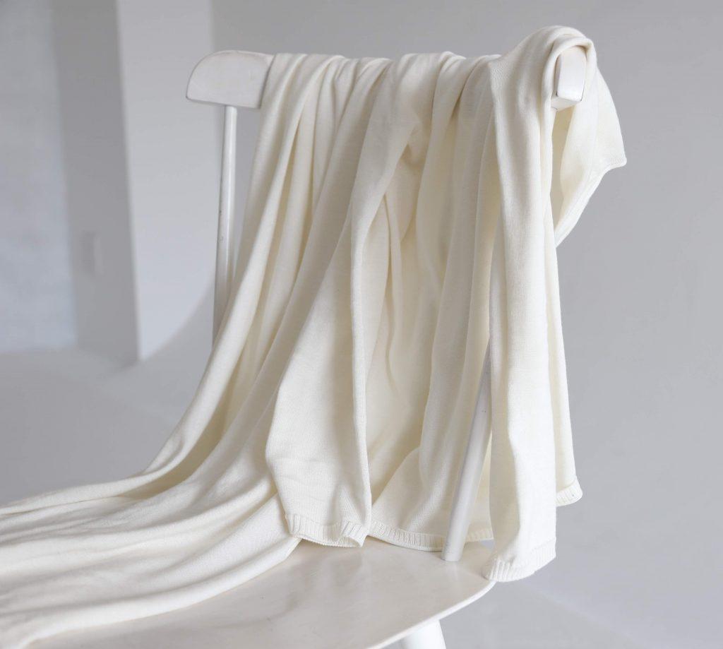 トピック 絹に関わる人 シルクデザイナー「加藤なぎさ」5